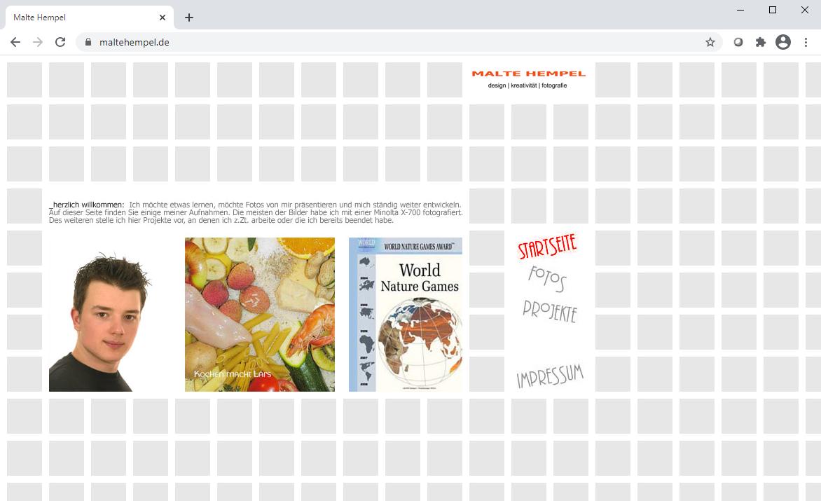 Webseite im Kacheldesign aus dem Jahr 2006. Per Hover über die Navigationselemente haben sich die Seiteninhalte geändert.